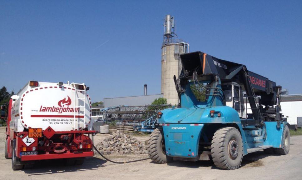 Baufahrzeuge betanken